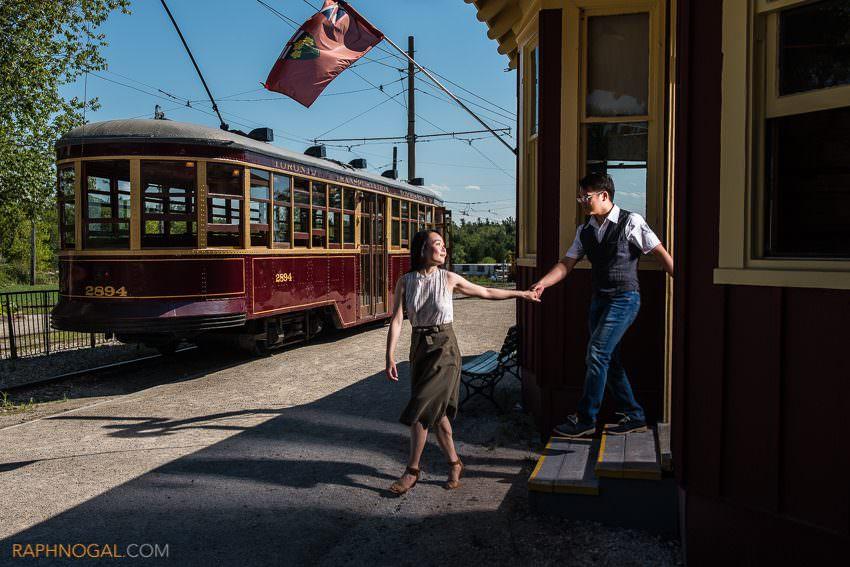 halton-railway-museum-engagement-photos-8