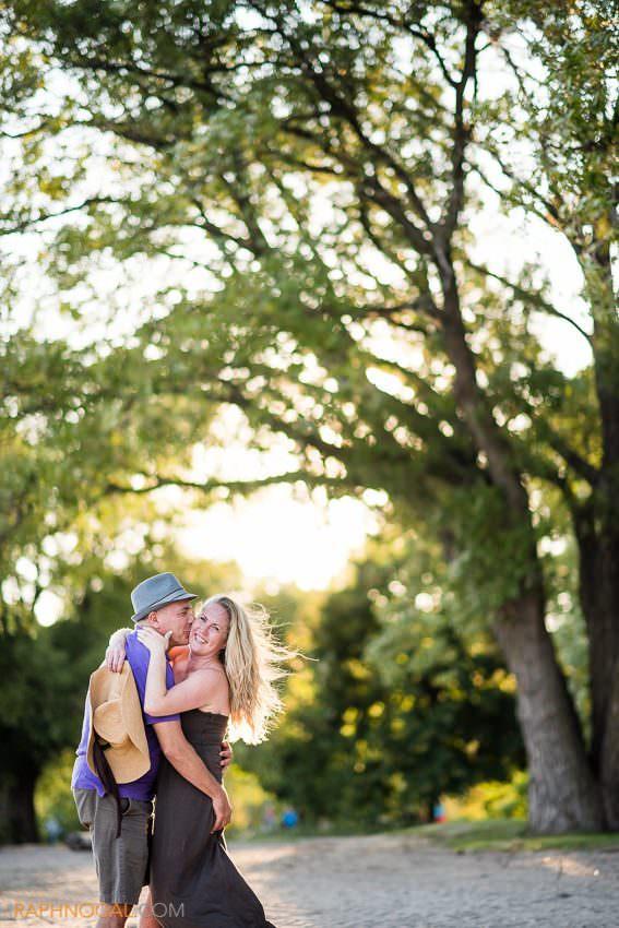 sunnyside-engagement-photos-toronto-12